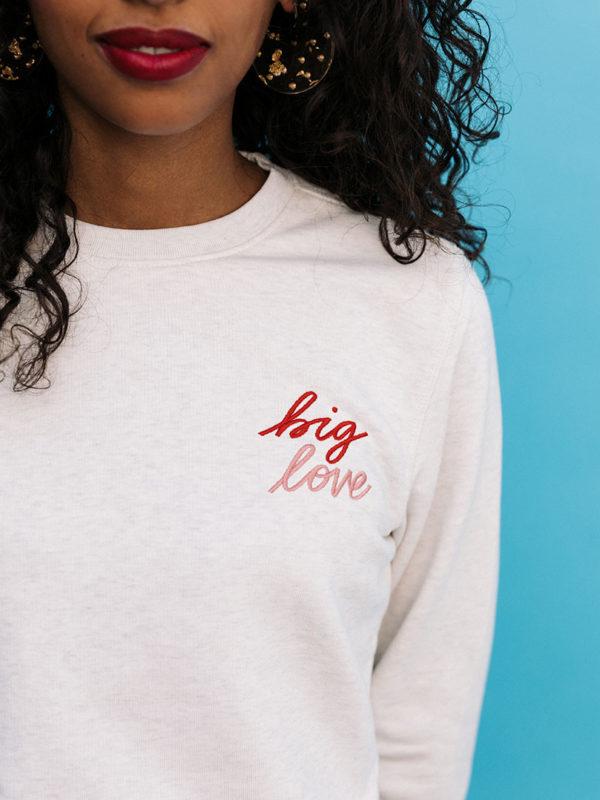 Sweatshirt Brodé Big Love