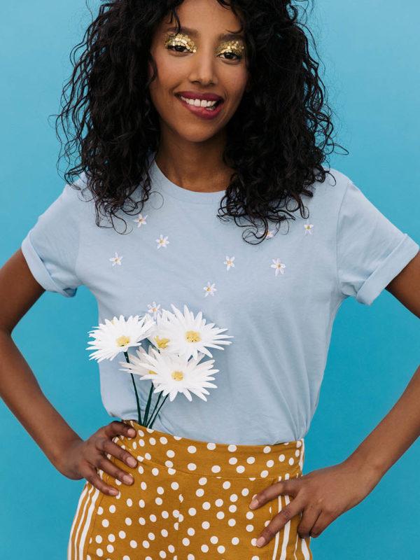 T-shirt Brodé Daisies Bleu