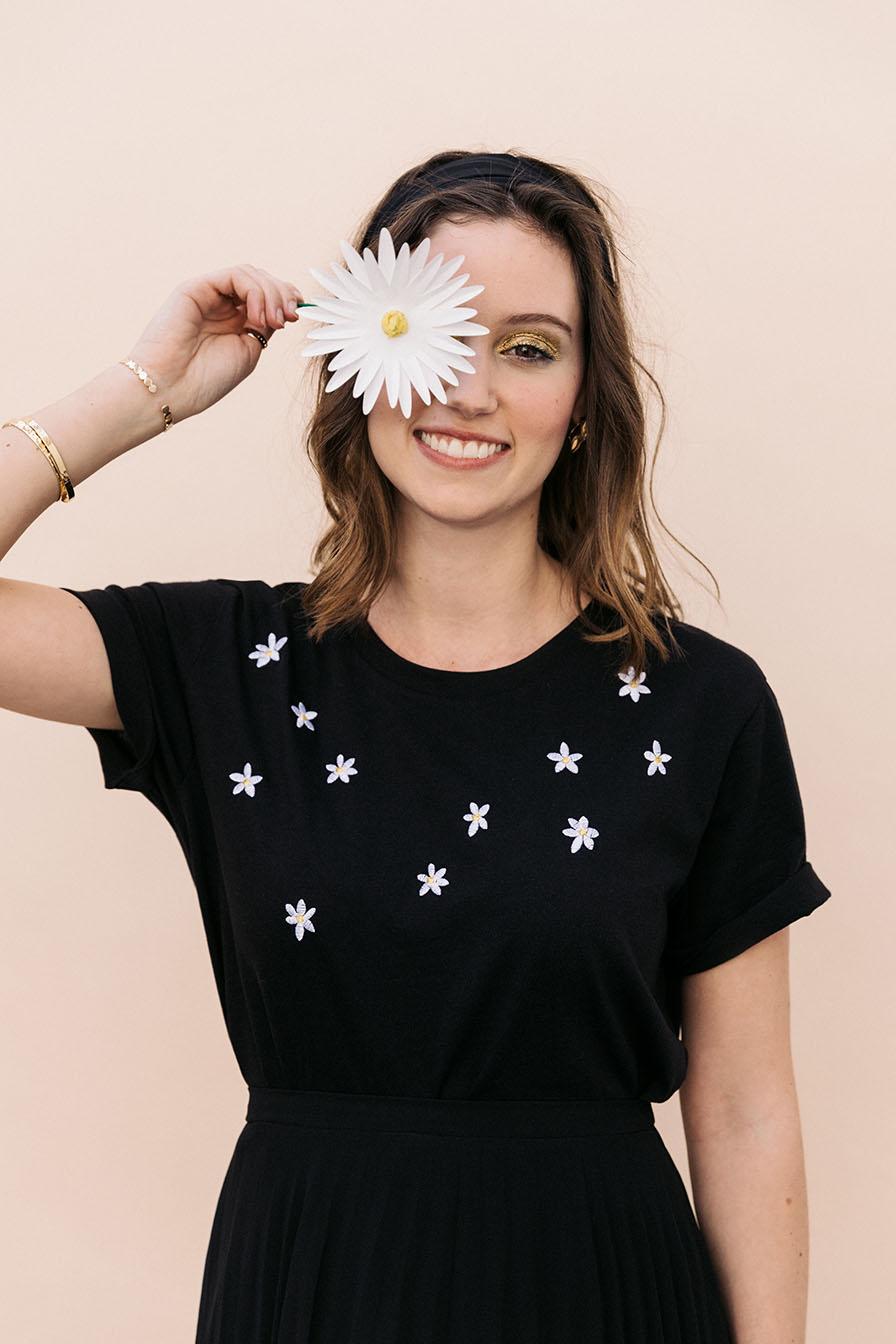 broderie fleurs t-shirt noir